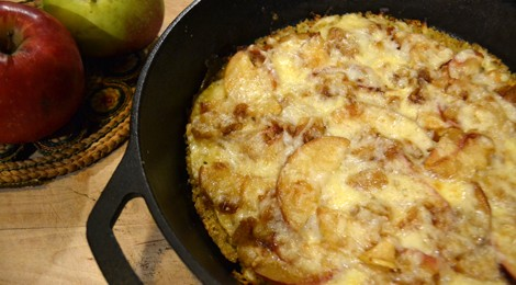Smoked Cheddar and Apple Tort
