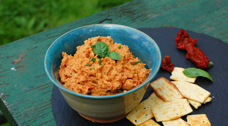 Sun-dried Tomato and Basil White Bean Dip
